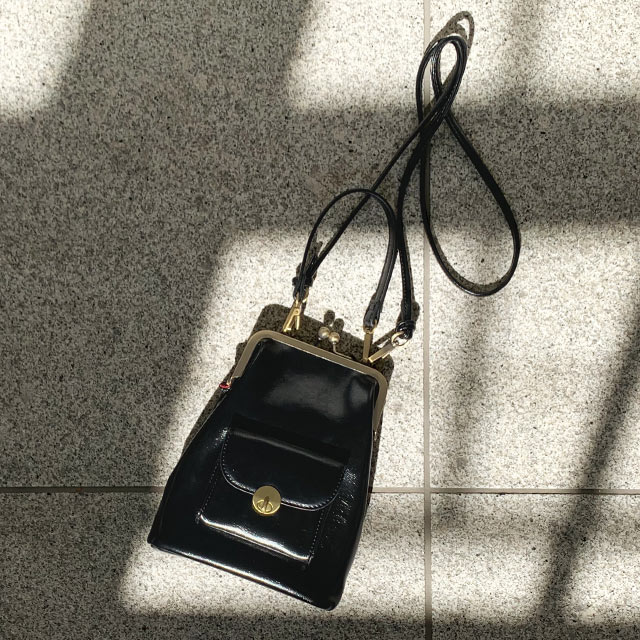 【Mayu Hotta × Isn't She?】gamaguchi mini shoulder bag[206B]【12月下旬予約】