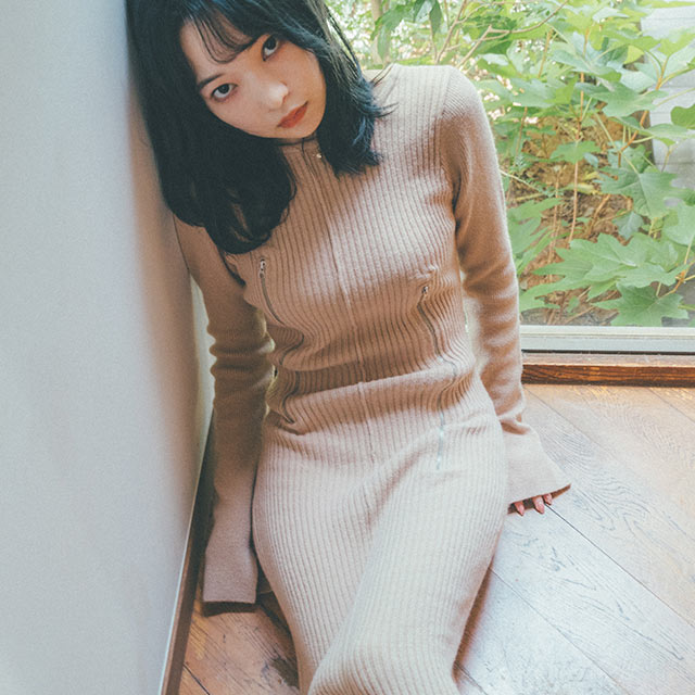 【10/24(sun)19:00〜】【田中芽衣×Isn't She?】2wayファスナーリブニットロングワンピース[2930E]
