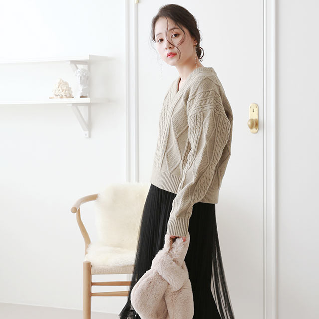 square twist v neck knit[5205C]