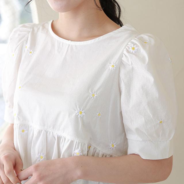 マーガレット刺繍ペプラムブラウス[5488C]