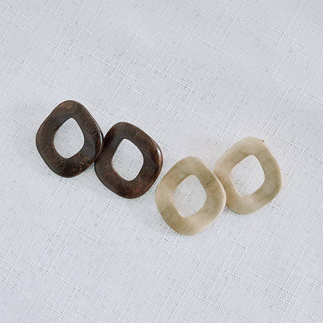 wood motif piasu or earring[835J]