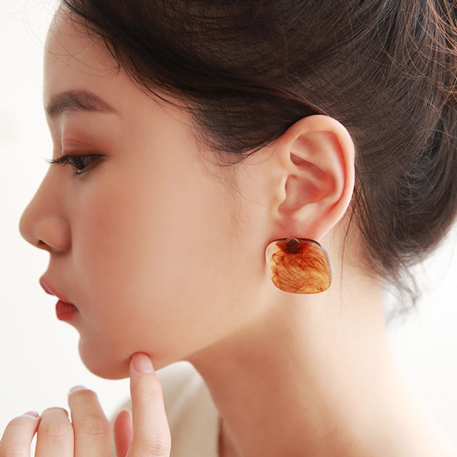 【yon's select】acrylic stone piasu or earring[851J]