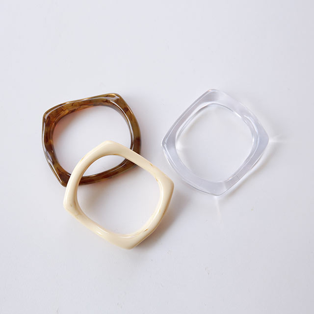 acrylic square bangle[872J]